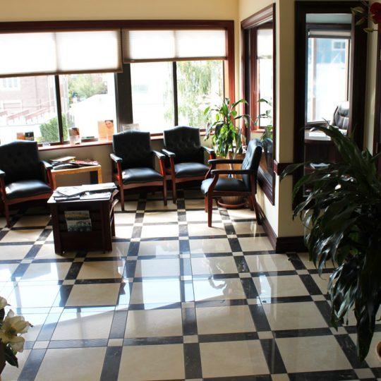 http://riverdaledentalcare.com/wp-content/uploads/2015/12/alldental-office4-540x540.jpg