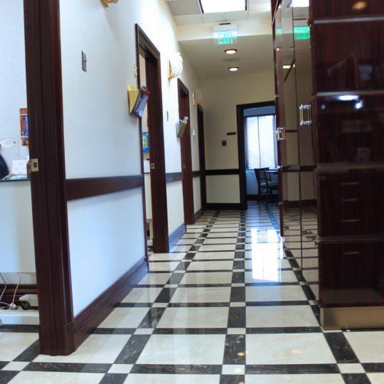 http://riverdaledentalcare.com/wp-content/uploads/2015/12/alldental-office8-540x540.jpg